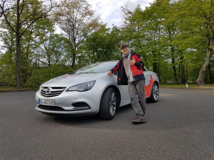Moritz Meyer und das Burgenblogger-Mobil